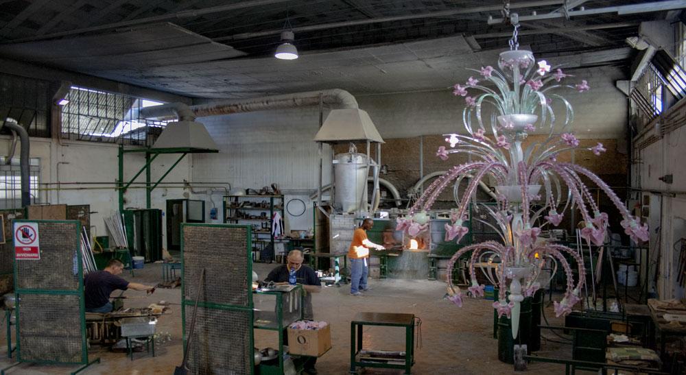 fornace lampadari murano realizzati da Bottega Veneziana con vetro di murano